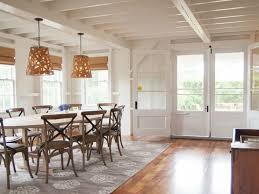 choosing the right rug for the dining room