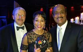 """Andrea Roane on Twitter: """"With hubby Michael Skehan & @CoUniTy_ExEc at  #EPICMCM awards gala. Honored for Community Inspired Content. Gorgeous  trophy work of art.… https://t.co/ICTXtSxVwW"""""""