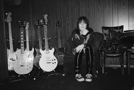 Girl and Guitar: Good luck separating Joan Jett from her choice of ...