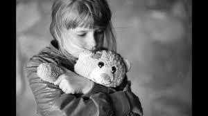 صور اطفال حزينه