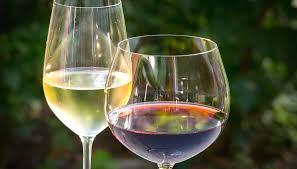 red white wine glasses