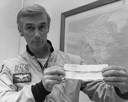 Eugene Cernan, chi è l'ultimo uomo ad aver messo piede sulla Luna