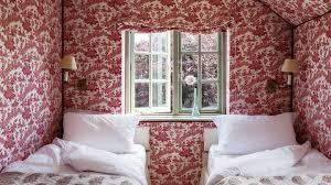 a history of wallpaper s deception