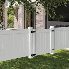 Freedom Coventry 4 Ft H X 4 Ft W White Vinyl Spaced Picket Fence Gate In The Vinyl Fence Gates Department At Lowes Com