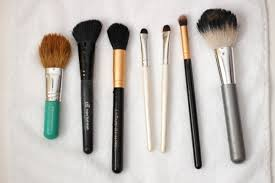 wash makeup brushes with shoo
