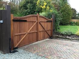 Underground Automation Kit On Our Berkshire Driveway Gate System Supplied By Bft Gate Was Produced And Installe Wood Gates Driveway Driveway Gate Wood Gate