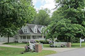 Picket Fence Ideas For Instant Curb Appeal
