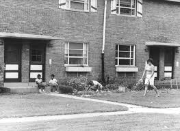 leclaire courts chicago gang history