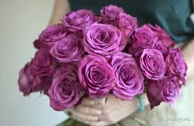 صور ثيمات ورد بنفسجي غامق للزفاف مشاهير