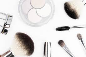 airbrush makeup vs traditional makeup