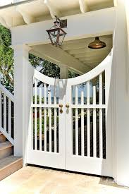 Is It Time To Replace Your Home S Fence These 5 Signs Say Yes Home Bunch Interior Design Ideas