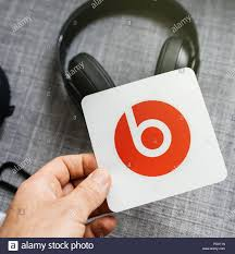 Paris France Mar 31 2018 Man Unboxing New Apple Beats By Dr Dre Beats Studio 3 Wireless Headphones With Pure Adaptive Noise Canceling Pure Anc Holding The Supplied Sticker Stock Photo Alamy