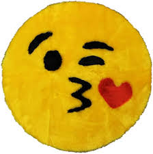 Amazon Com Emoji Rug Soft And Cute Made In France Emoji Mat Fit For Any Room Dorm Bed Bathroom Kids Room Emojis Kiss Kitchen Dining