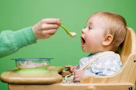 5 nguyên tắc vàng mẹ cần nhớ khi cho bé yêu ăn dặm - PHỤ NỮ CHIA SẺ