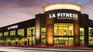 la fitness operating hours today