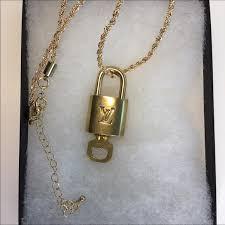 louis vuitton jewelry 322 lock key