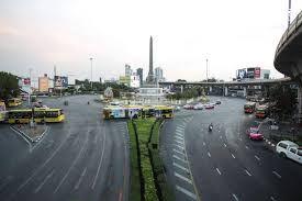 โล่งพอมั้ย เช้านี้ที่กรุงเทพฯ ถนนรถน้อย ติดต่างจังหวัดแทน