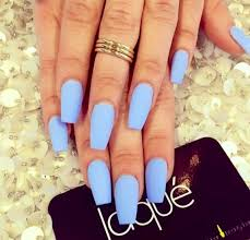 beautiful blue laque nails ring