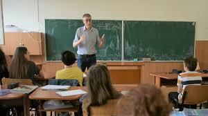 """VIDEO Profesorii englezi și americani nu au loc în țara lui """"make ..."""