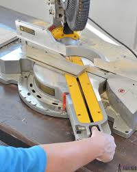 Dewalt Dws780 12 Dual Bevel Compound Miter Saw Review Her Tool Belt