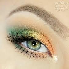 Pin by Ashley Swarts on maquiagem | Eyeshadow makeup, Colorful eye makeup,  Colorful makeup