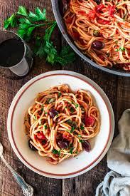 Spaghetti alla Puttanesca - Olivia's ...