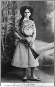 Annie Oakley Meets Lillian Smith / America's Best Female Sharpshooters |  Western Trips