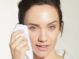 how to wash off makeup with spf