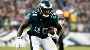 After getting counted out, Wendell Smallwood playing big role for Eagles |  RSN