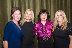 Latham & Watkins LLP - About Us - News - Michele Johnson Honored by Orange  County Women Lawyers Association