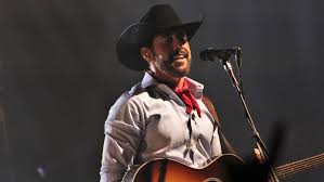 Aaron Watson's concert Saturday to help Walmart shooting victims