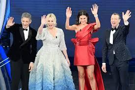 Le pagelle di stile della quarta serata di Sanremo: no all'oro di ...