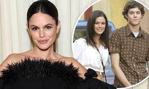 Rachel Bilson apologizes to fans for her 2006 breakup with Adam ...