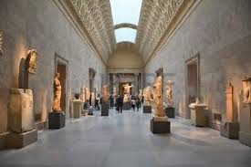 Jeune Femme Nue étudier Statue Grecque, Galeries Romaines Et ...