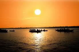 Mặt trời chiếu thẳng đứng - Radio Truyện Việt