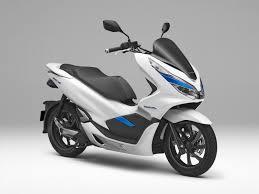 พบสิทธิบัตรใหม่คาด All New Honda PCX จะใส่ VTEC มาให้ 4 วาล์ว