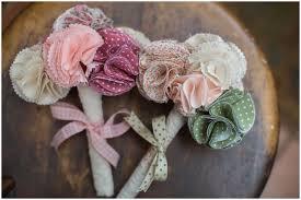 make fabric flowers 25 diy tutorials