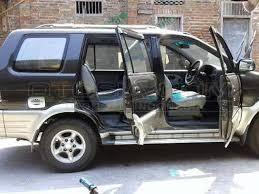 mobil isuzu panther touring 2003 bekas