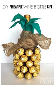 diy pineapple wine bottle gift tutorial