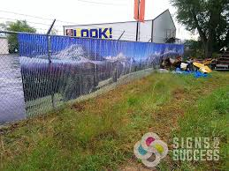 Fence Slat Signs Turn Chain Link Into A Giant Sign Signs For Success