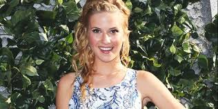 Who Is Caroline Sunshine? - 'Shake It Up' Disney Channel Star ...