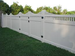 Custom Lattice Top Pvc Privacy Fence Design Mossy Oak Fence Company Orlando Melbourne Fl Vinyl Privacy Fence Privacy Fence Designs Fence Design