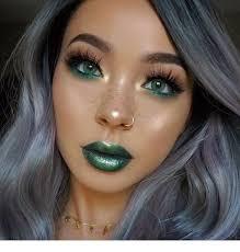 cool green makeup idea