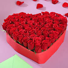 heart shaped roses arrangement