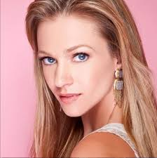A.J. Cook - Bio, Net Worth, Personal Details, Affairs, Husband, Children,  Family, Nationality, Age, Height, Weight, Wiki, Instagram, Imdb, movies -  Gossip Gist