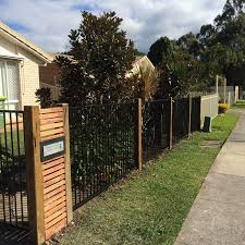 Hardwood Timber Posts Black Flat Top Aluminium Jpg 800 800 Pixels Timber Posts Fence Design Front Yard