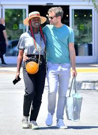 Joshua Jackson Packs on PDA With Jodie Turner-Smith: Photos