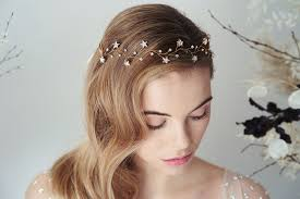 choosing your wedding hair accessories