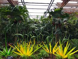 see chihuly in the garden at the