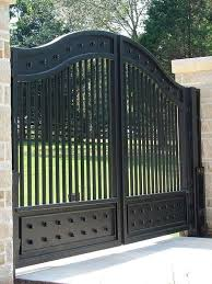 31 Creative Fence Gate Ideas For Your Home 2020 A Nest With A Yard Steel Gate Design Metal Driveway Gates Iron Gate Design